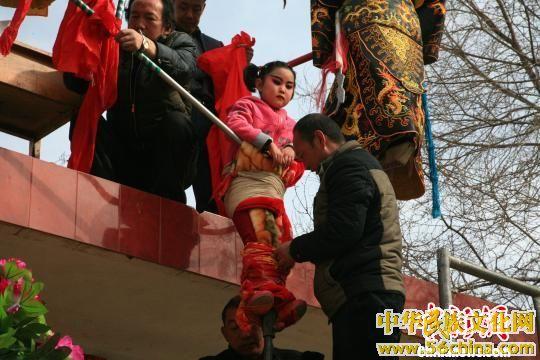 青海高台:历史悠久的空中舞蹈