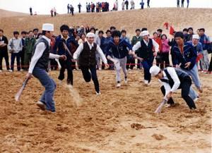 回族体育项目:木球(图)_中国网