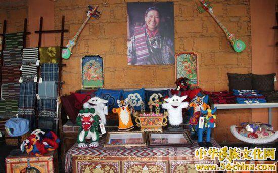 西藏民族手工艺品走向国内外市场