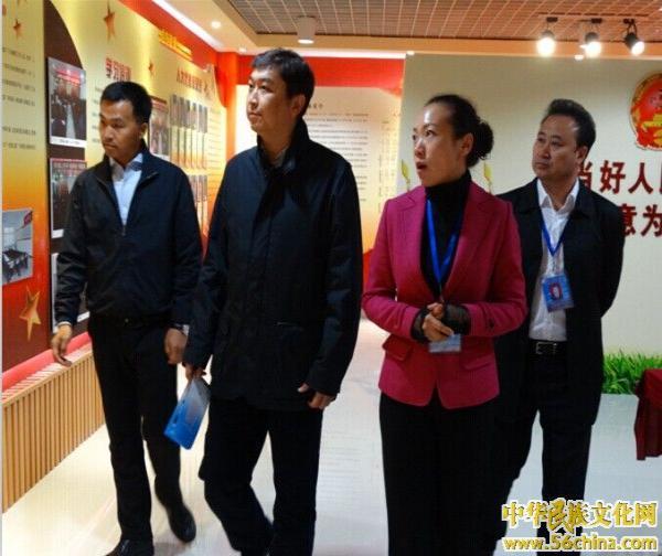 呼伦贝尔市团委书记伏鸿峰一行到鑫海社区
