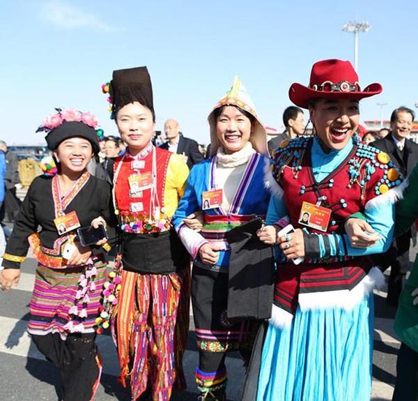 刘湘萍: 如何让少数民族服饰坚持原有文化