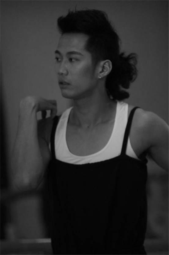 """陈艺果——当代青年艺术家(第二届""""青年百杰""""舞蹈男神)"""