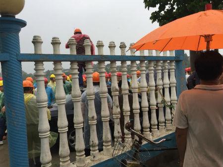 江苏泰兴市曲霞镇一起强拆事件致多名村民受伤